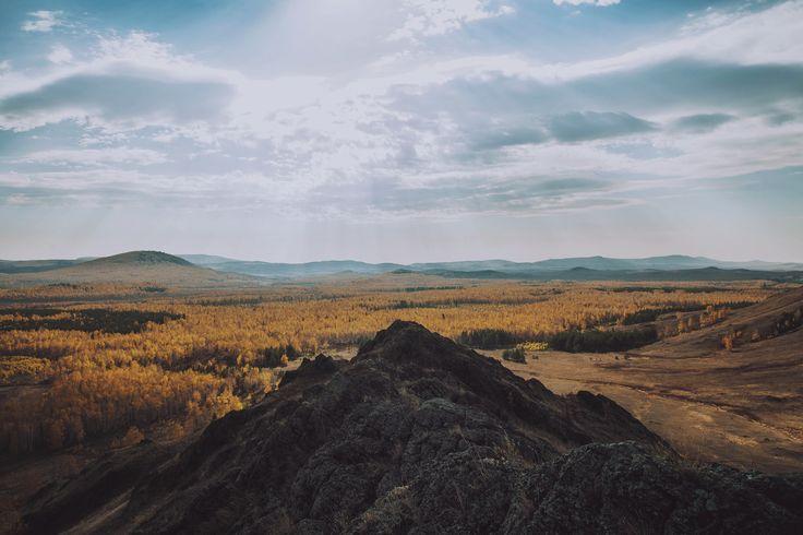 Road trip to Bashkortostan (Russia) / Supermoon (24mm) on the ridge Nurali