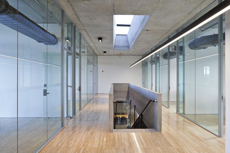 Best 25 partition walls ideas on pinterest room for Office design italia srl