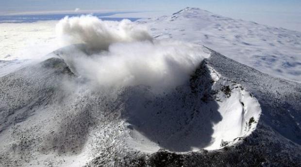 Паранормальное явление: портал в другой мир нашли в Антарктиде https://joinfo.ua/inworld/1198473_Paranormalnoe-yavlenie-portal-mir-nashli.html