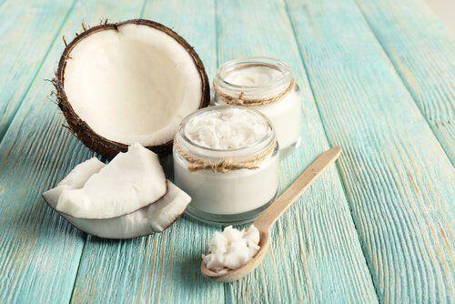 Te damos ideas y recetas para que uses el aceite de coco en tus menús, como por ejemplo bombones, salteados, batidos, fritos saludables, etc.