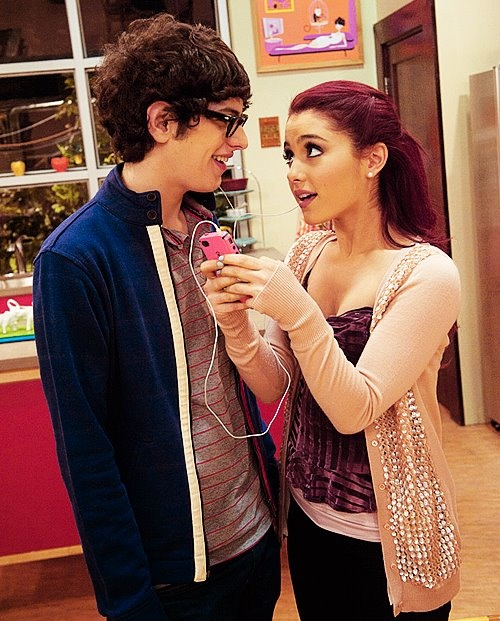 awww :') cat valentine and Robbie Shapiro <3