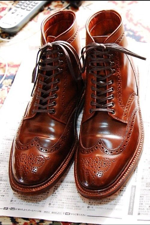 Gorgeous men's #wingtip boots. Lush brown color!!!