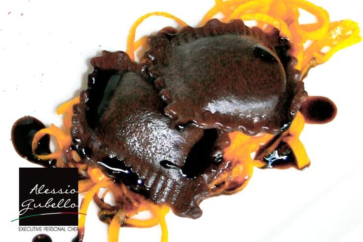 Raviolo al cioccolato e ricotta dolce all'arancio
