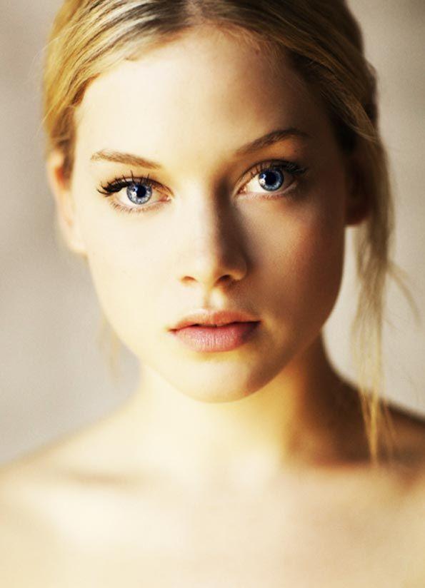 La actriz Jane Levy ha dicho que cuando termine la grabación de Suburgatory, hará lo posible por alejarse del estilo de su personaje, Tessa Altman, para que no la encasillen. Eso incluye volver a su color de pelo natural u otro, ya que Levy no es naturalmente pelirroja, como Tessa... ¿con qué imagen nos sorprenderá? http://www.mujerespacio.com/sara-ruesga-belleza/suburgatory-el-estilo-de-tessa-altman/