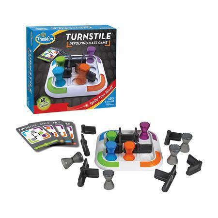 """Thinkfun Игра """"Турникет"""", ThinkFun  — 1649 руб.  —  Эта увлекательная  игра обязательно понравится вашему ребенку и разнообразит его досуг.  Ее можно брать с собой куда угодно и весело играть вместе с друзьями. Принцип игры: надо переместить все цветные фигурки в углы игрового поля, в соответствии с их цветом. Карточки содержат задания четырех уровней сложности. На обратных сторонах у них приведены решения соответствующих заданий. Выберите карточку с заданием и расположите фигурки ��а…"""