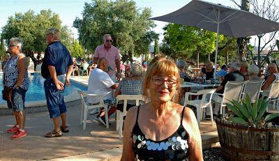 Viva Torrevieja!: Garden Partyn för Paradise Kennel...vilken fest!