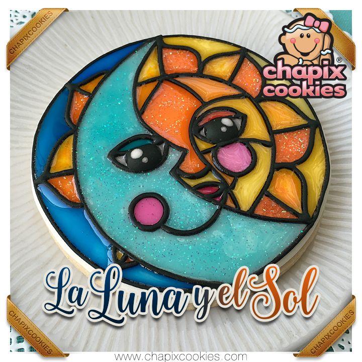 ☀️🌙 Sonríe como La Luna y el Sol ! 🌙☀️  #DiaMundialdelaSonrisa #WorldSmileDay #Vitral #StainedGlass #RoyalIcing #Cookies #Cookie #MyriamSánchez #ChapixCookies