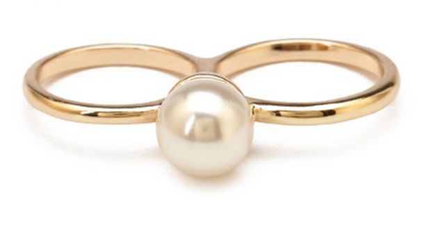 6 Pearl Pieces That Aren't From Your Grandmother's Jewelry Box | Her Campus