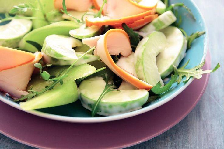 30 juli - Galiameloen in de bonus - Fruitige kipsalade met meloen en appel - Recept - Allerhande