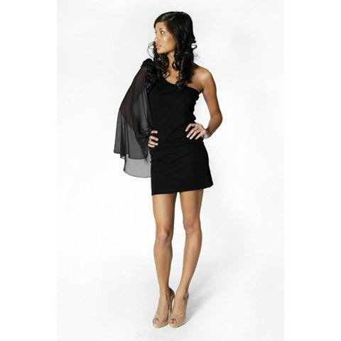 Vestido Negro Detalle En Hombro  Directamente Desde Londres Solo En Talla L Precio 16.900