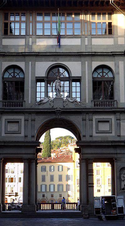Italie : Florence -  la Galerie des Offices                                                                                                                                                                                 Plus