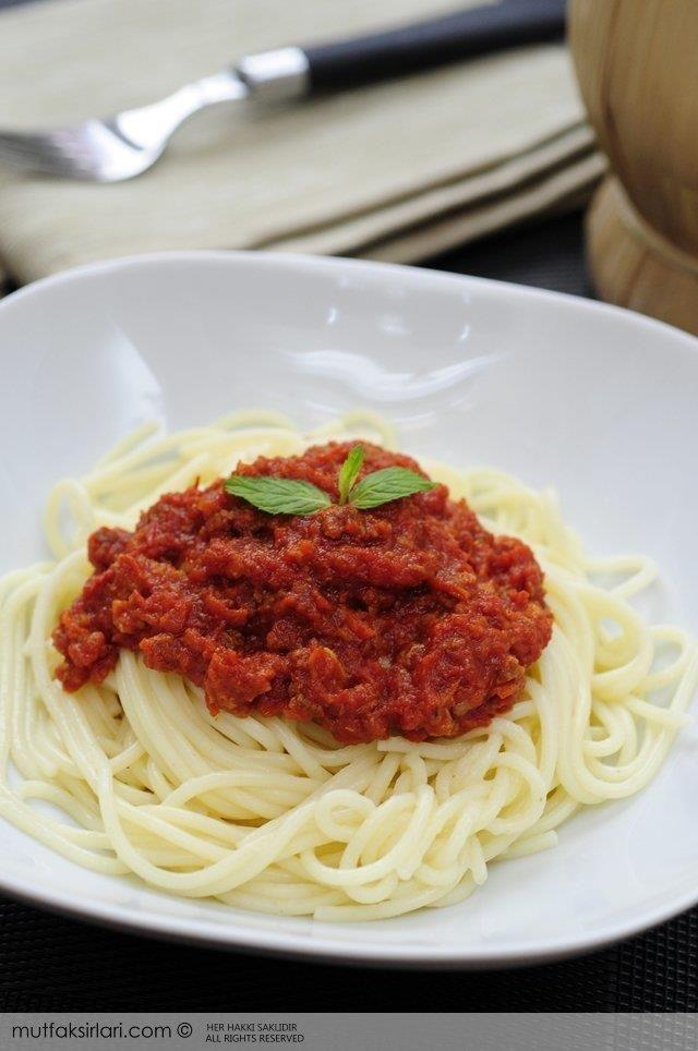 Spagetti Bolognese (Bolonez Sos) Tarifi   Mutfak Sırları