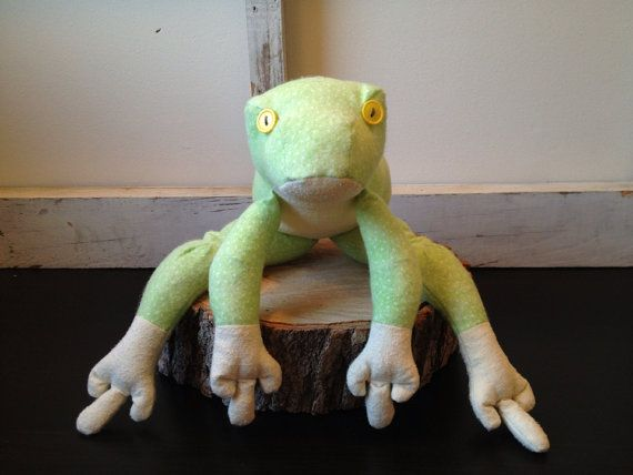 Jeremiah the plush bullfrog. by CraftyKittyBoutique on Etsy
