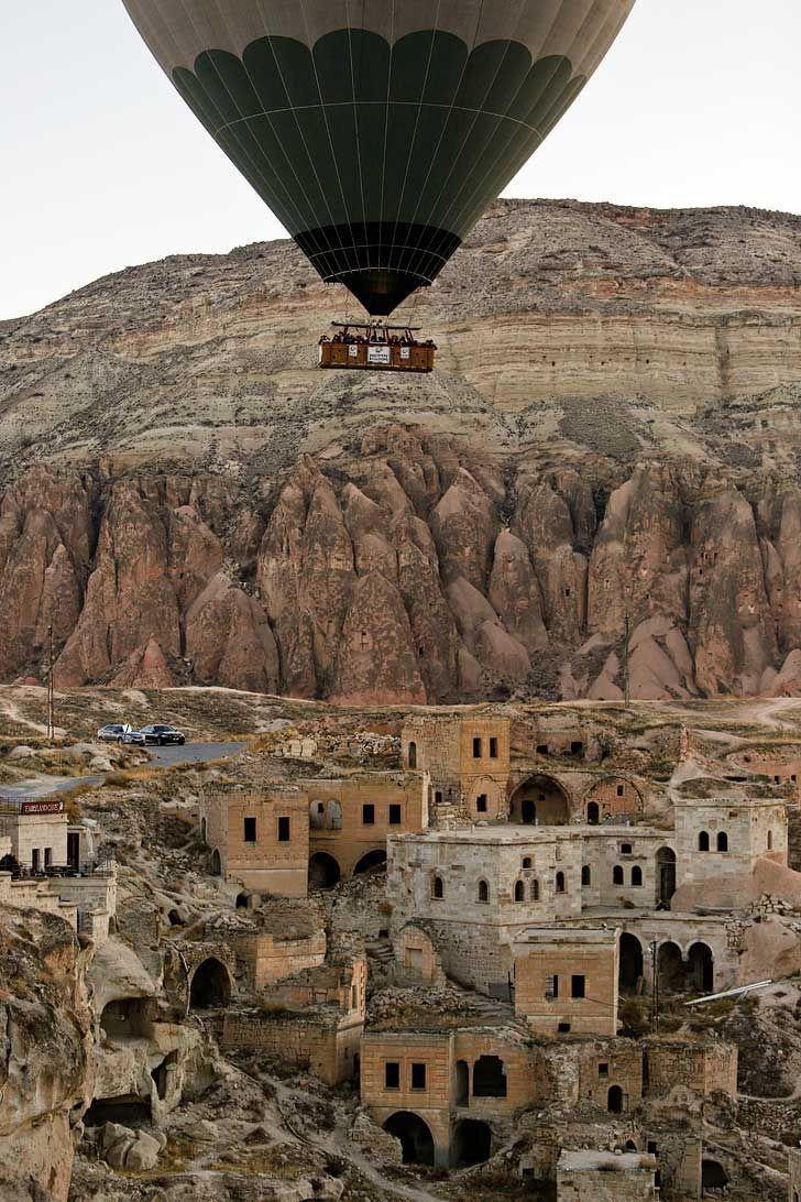 Cappadocia Hot Air Balloons look so magical - an must if you visit Turkey // Local Adventurer #cappadocia #turkey #travelling