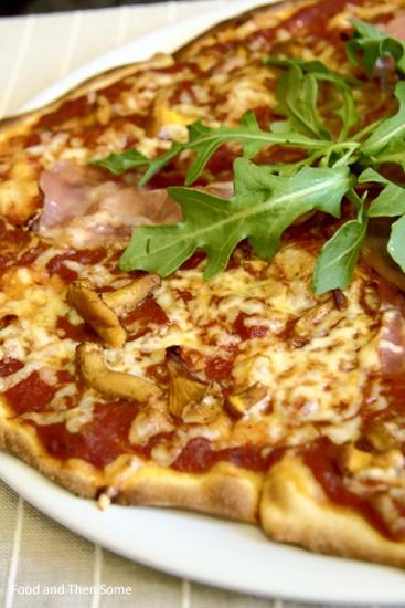 Pizza with Chanterelles, Prosciutto & Rocket