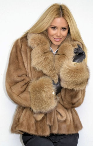 Would love it if it were faux fur instead.  OUTLET PASTEL MINK FUR COAT NERZJACKE NERZ PELZJACKE PELZ VISONE WIE FUCHS FOX | eBay