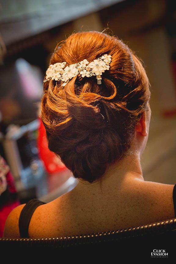 #mariage#clickevasion#toulon#salondumariage#trop belle#robedemariée#robe#AuroreRomano#bouquet#strass#photographeprestige#photographe#photographie#alliance#eglise#couple#préparatifs#coiffure#bijouxdetete#