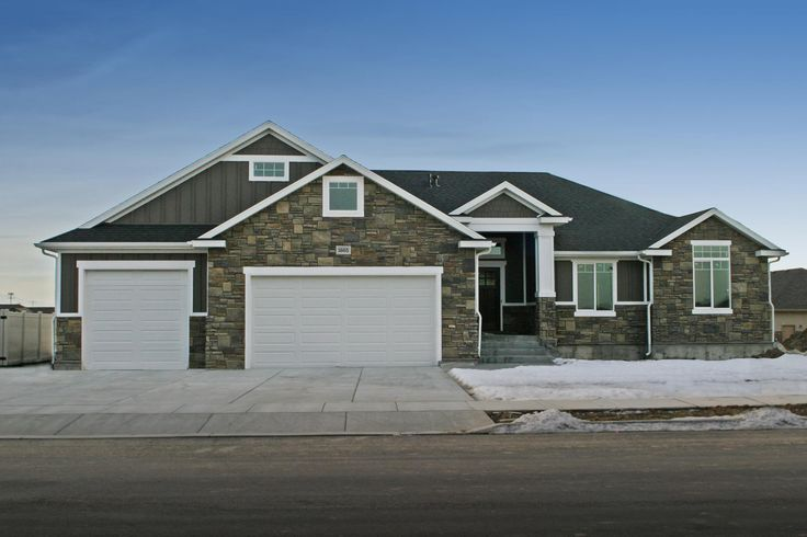 The alexander 3900 this craftsman style rambler is one for Craftsman house plans utah