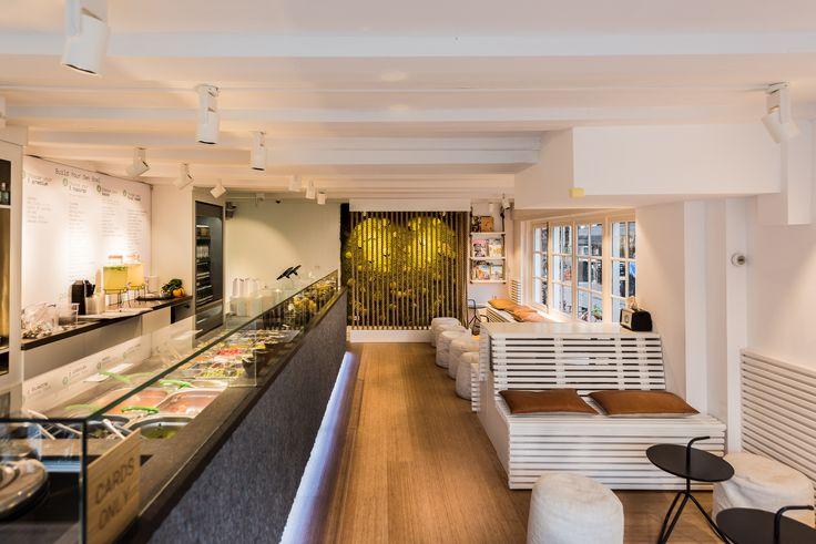 Aloha, waan je in Hawaii - Poké Perfect is een quick-service restaurant op het Leidseplein, ze werken met het POS kassasysteem van Lightspeed. Ideaal voor alle toppings en samengestelde Poké Bowls.   Lees verder op: LightspeedHQ.nl/klanten/poke-perfect