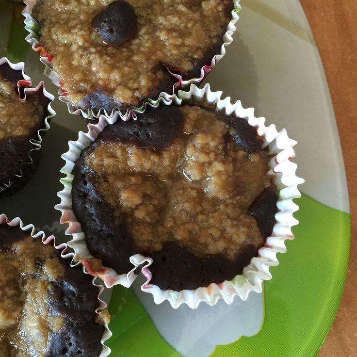 Постные шоколадные маффины с кремом из тофу -   Завтрак, полдник, перекус с вечерним киносеансом - а у вас маффины под рукой. Простые ингредиенты, несложно и быстро приготовить и действительно вкусно. Рекомендую.  #пища #маффины #перекус #тофу #домашняяеда #food #muffins