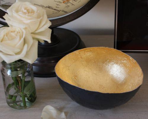 paper mache + gold leaf decorative bowl: Make Bowls, Crafts Ideas, Decor Bowls, Gold Leaf, Paper Mache, Gold Bowls, Decorative Bowls, Papier Mache, Leaf Bowls