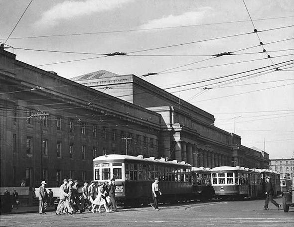 Union Station, Toronto, 1940s. #vintage #streets #1940s #Canada