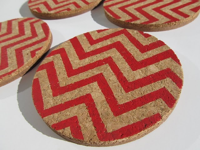 cork coasters painted to make cute chevron coasters? yes, please!