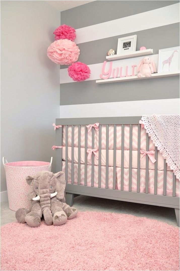 Deco Chambre Bebe Gris Rose Et Bleu In 2020 Cozy Baby Room Baby