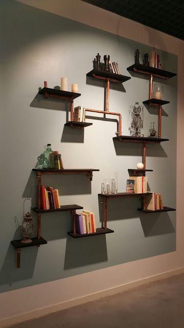 Etagères bois et tubes de cuivre