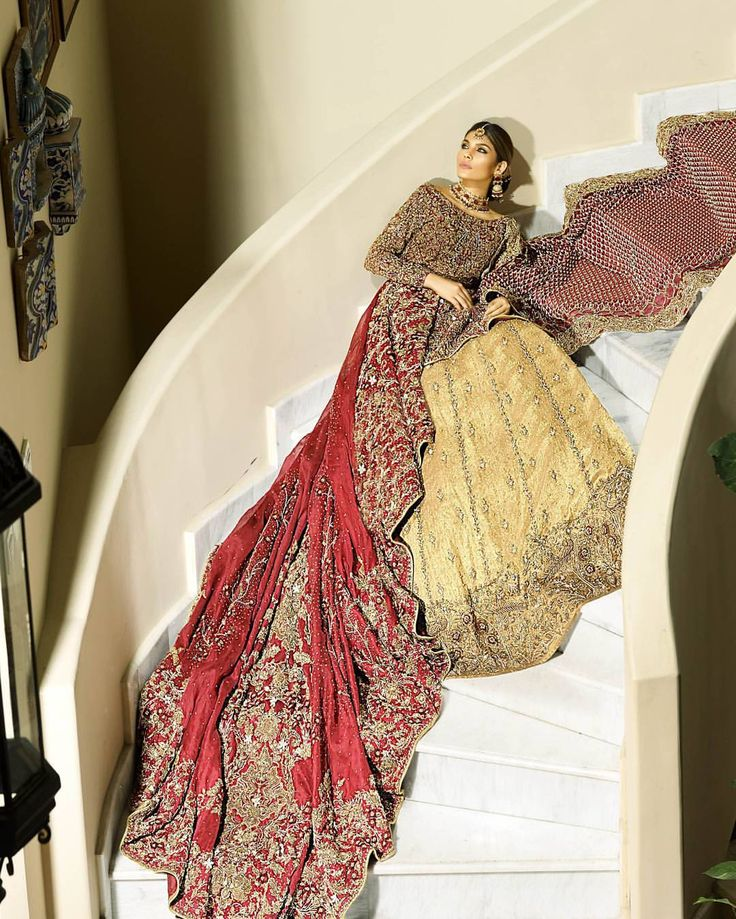 Pakistani couture ShizaHassan bridals redefine couture with intricate designs and traditional elements  Now available to order at #ShizaHassan studio.  @athershahzadofficial @samreenvance