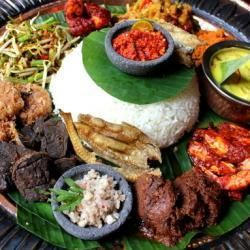 Nasi Ambeng BY MAMANDA. Feast like kings on a huge 60cm platter of tantalizing authentic Malay feast day dishes!