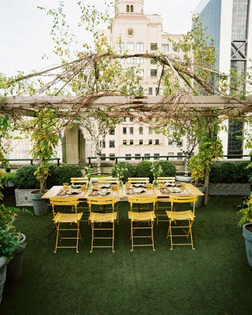 Lonny magazine: Rooftops Gardens, Ideas, Party'S, Dinners Parties, Gardens Parties, Outdoor Spaces, Rooftop Gardens, Roof Gardens, Yellow Chairs
