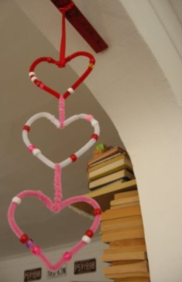 Valentines Crafts for Kids- pipe cleaner hearts                                                                                                                                                                                 More