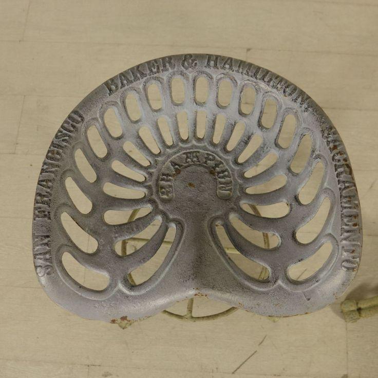 Coppia di sgabelli in ferro