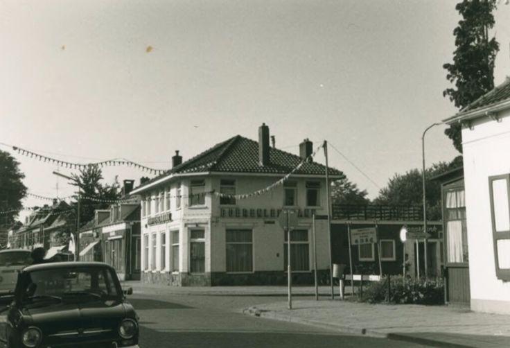 Dorpsstraat Nunspeet (jaartal: 1970 tot 1980) - Foto's SERC