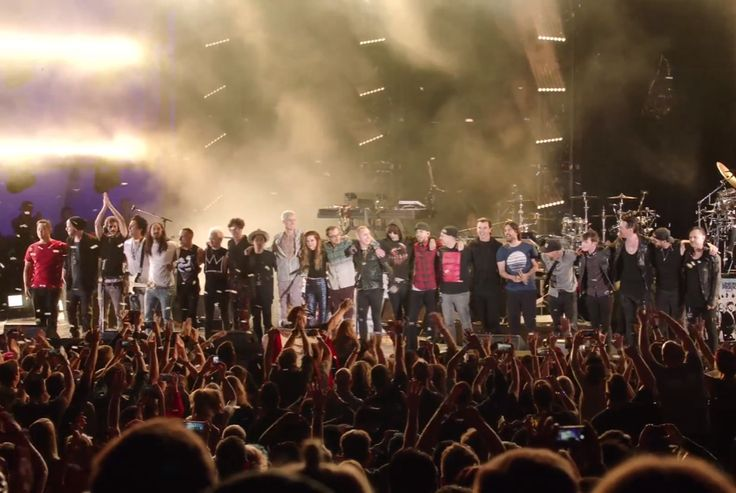 Linkin Park & Friends Celebrate Life in Honor of Chester Bennington (Friday, October 27, 2017)
