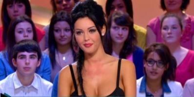 REPLAY TV - Nabilla : Sa première interview au Grand Journal ! (Vidéo) - http://teleprogrammetv.com/nabilla-sa-premiere-interview-au-grand-journal-video/