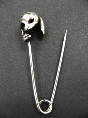 Skull Safety Pin