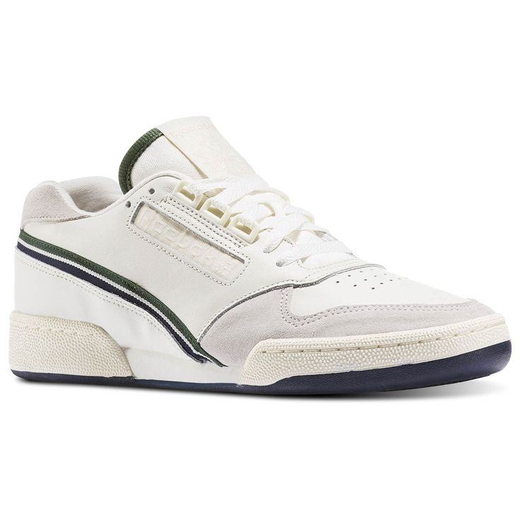 We're adapting our tennis heritage for 'trendy meets casual' style. This shoe celebrates our court roots with throwback detailing and delivers dependable comfort that keeps pace with your busy lifestyle.