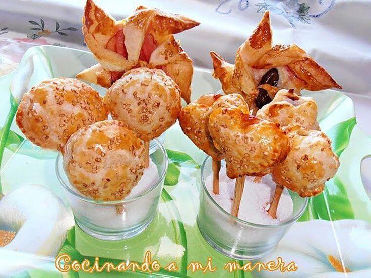 Una bonita y divertida forma de presentar unos aperitivos con hojaldre es hacer piruletas, chupa-chups y molinillos. Si tenéis peques en casa, seguro que les vais a sorprender, aunque ,como …