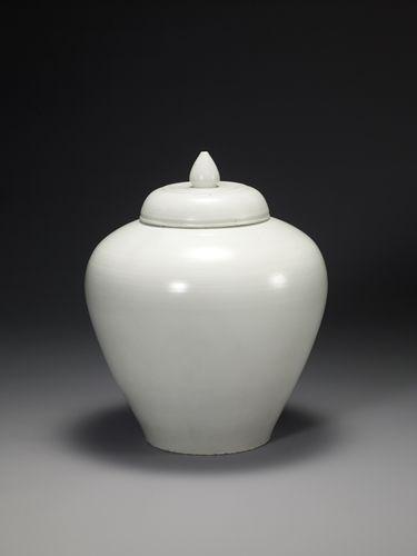 White Porcelain Jar, White clay,18th century, Joseon dynasty, Height 46.5cm
