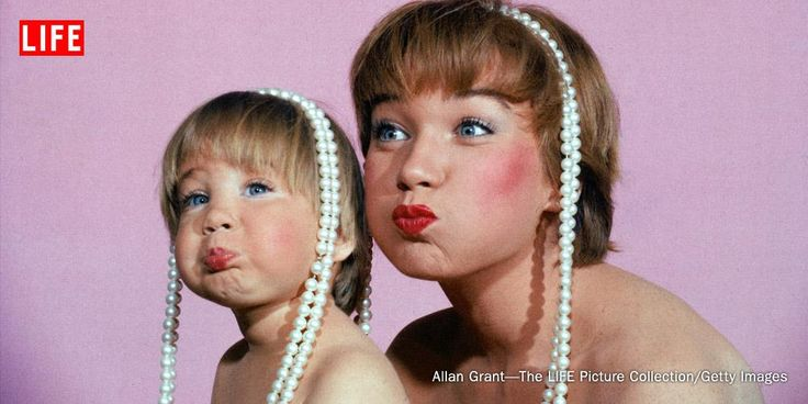 Shirley MacLaine and her daughter, Sachi Parker, in 1959. See more famous mothers: http://ti.me/1DjHyE0