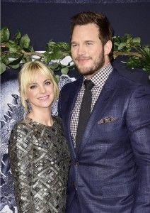 Chris Pratt and wife, Anna Faris flaunts Sweet PDA at the Jurassic World Premiere