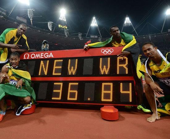 Oro e record del mondo della Giamaica nella staffetta 4x100 alle Olimpiadi di Londra.