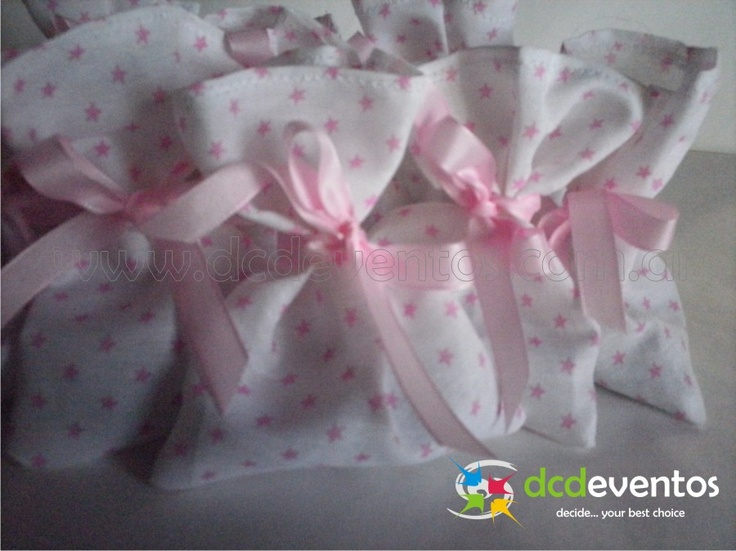 Bolsitas de género golosineras.  Organización del evento: www.dcdeventos.com.ar
