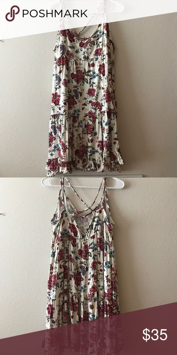 American Eagle summer dress beautiful flower summer dress from american eagle only worn for about 2 hours! American Eagle Outfitters Dresses
