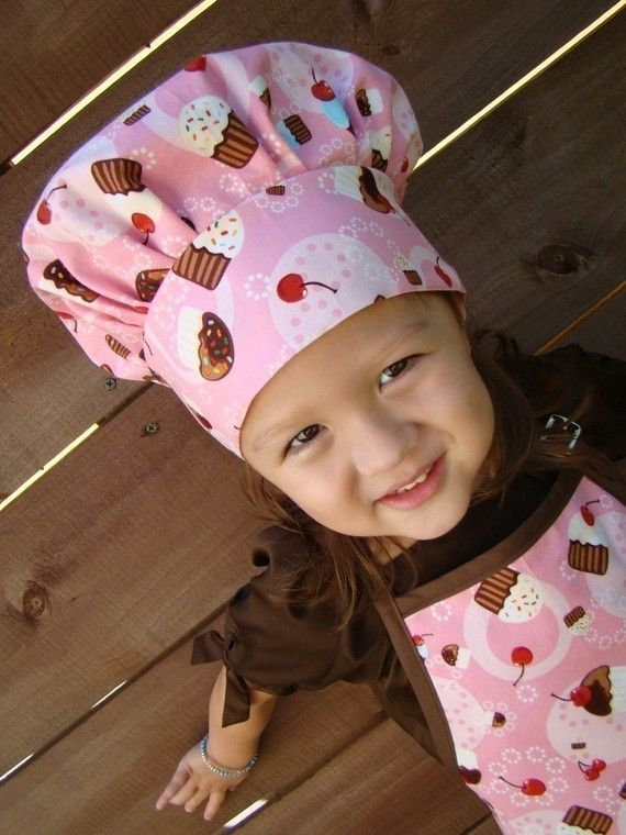 Adorable chef hat and apron - Key2Life.etsy.com