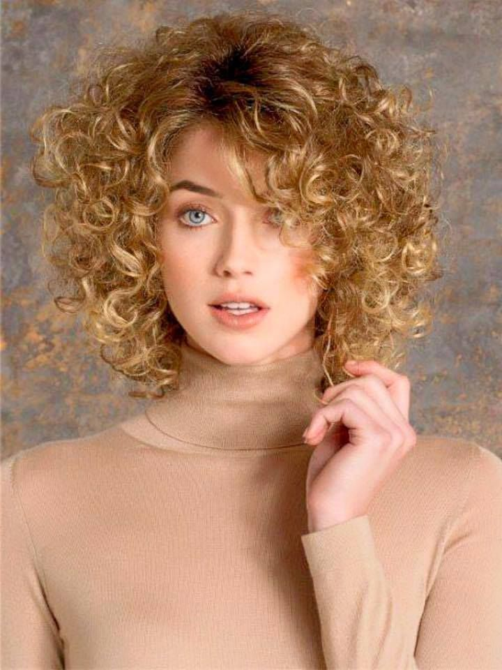 21 Gorgeous Hairstyles For Fine Curly Hair Curly Hair Pinterest