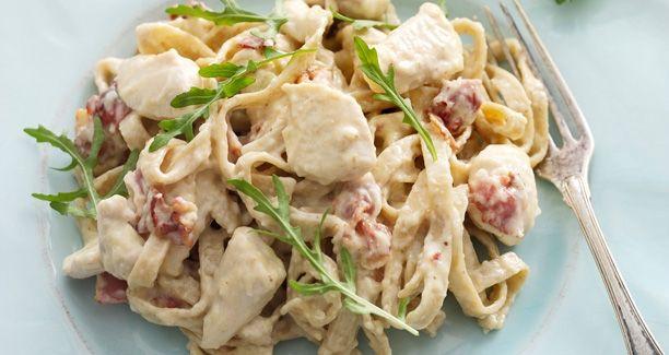 Lækker, cremet pastaret med fuldkornspasta og kylling
