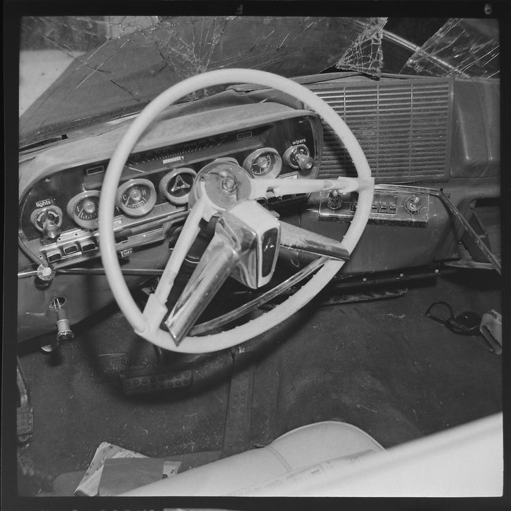 283 best Old Car Wrecks images on Pinterest | Antique cars, Old ...